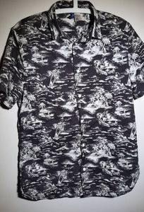 H&M Tropical Short Sleeve Button Down Shirt